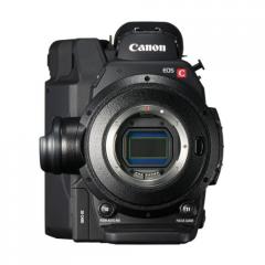 tv-cameraman-canon-c300-MKI-1